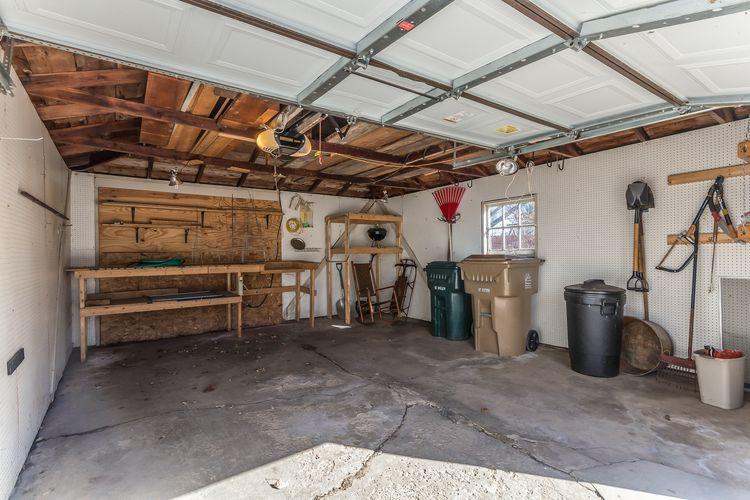 Garage Photo #26