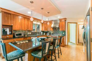 Kitchen615 HIGHLAND RD Photo 18
