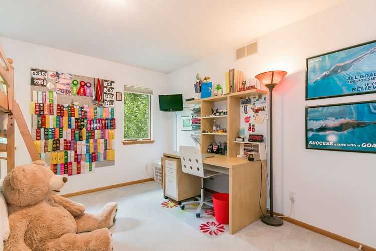 Bedroom Photo #37