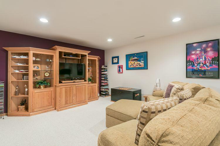 Recreation Room Photo #48