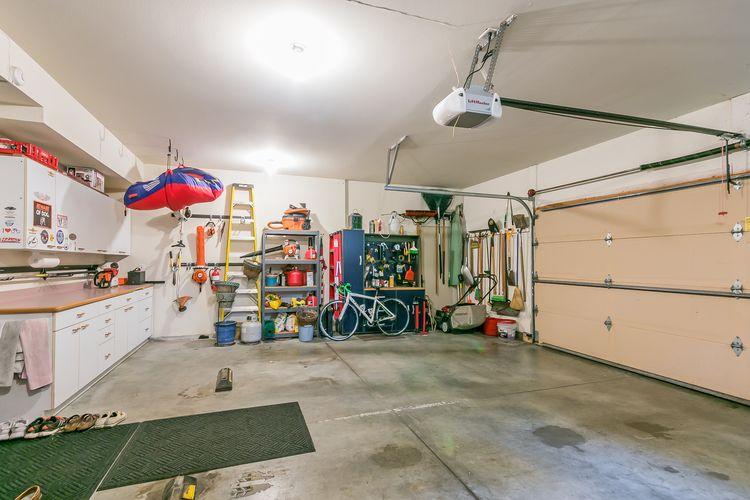 Garage Photo #53