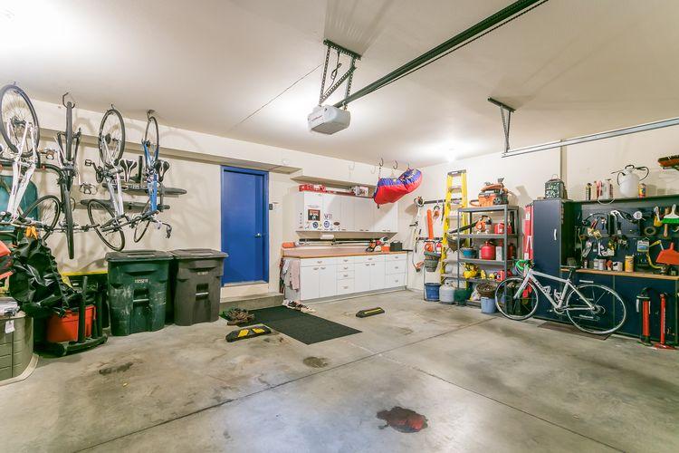 Garage Photo #54