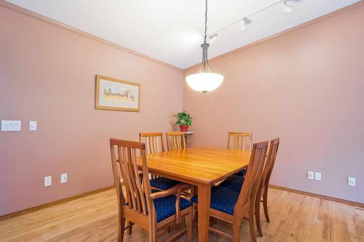 Dining Room Photo #8