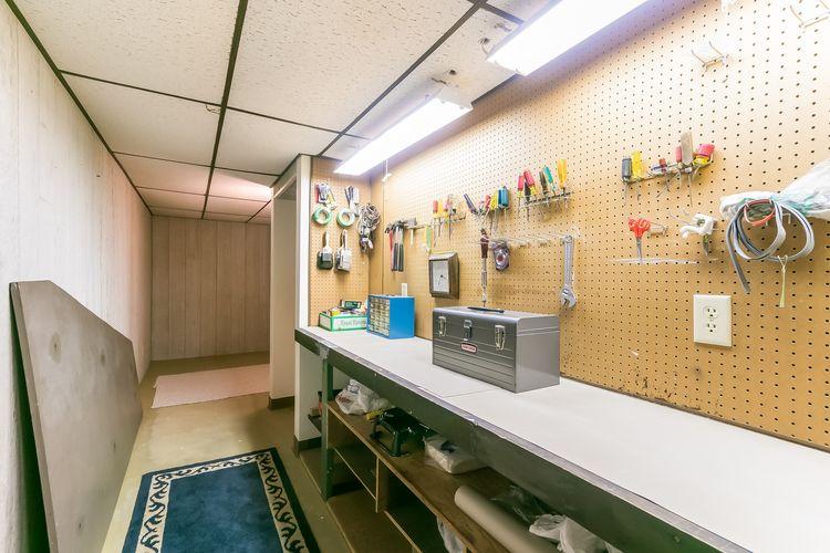 Workshop / Store Room Photo #50