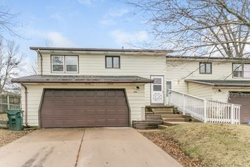 2905 TRACEWAY DR Madison, WI 53713 - Image