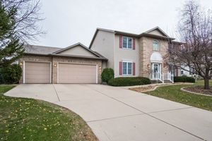 Front View891 EDDINGTON DR Photo 2