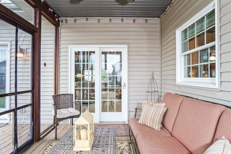 Screened Porch Photo #37