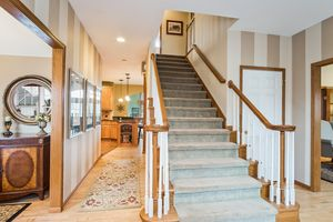 Foyer891 EDDINGTON DR Photo 8
