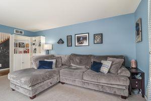 Living Room Photo 10