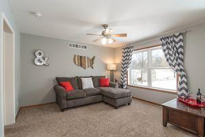 Living Room Photo 9