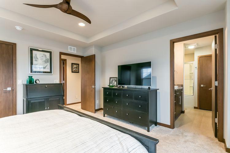 2nd Bedroom Photo #9