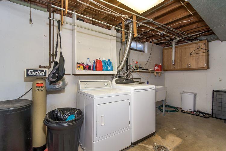 Laundry Room Photo #28