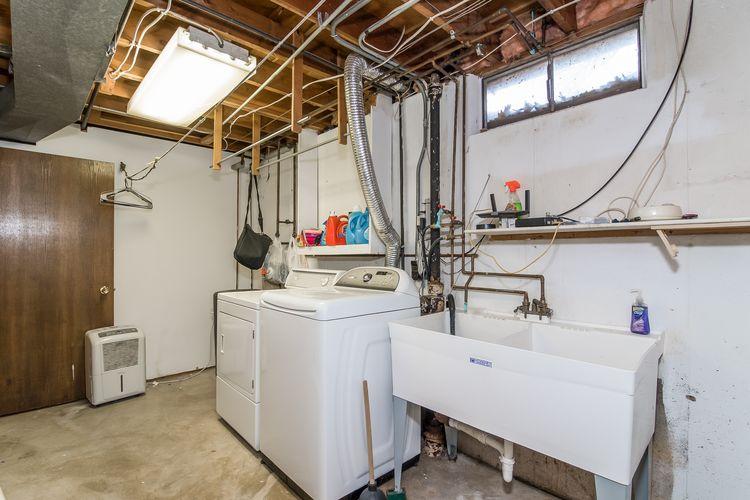 Laundry Room Photo #29