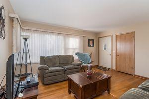 Living Room5748 THRUSH LN Photo 6