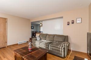 Living Room5748 THRUSH LN Photo 7