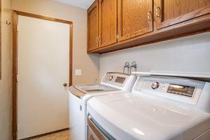 Bathroom1333 Holtan Rd Photo 16
