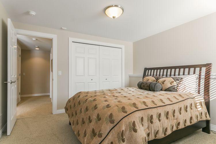 Bedroom Photo #39