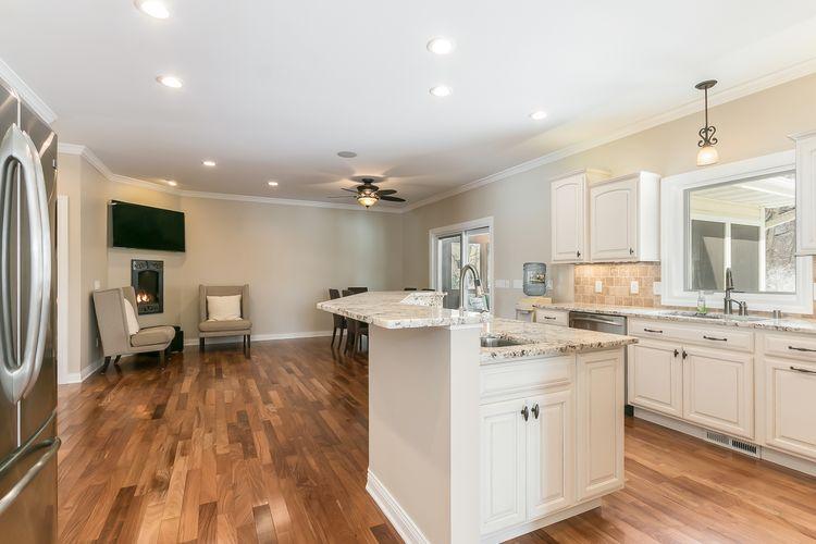 Kitchen Photo #42