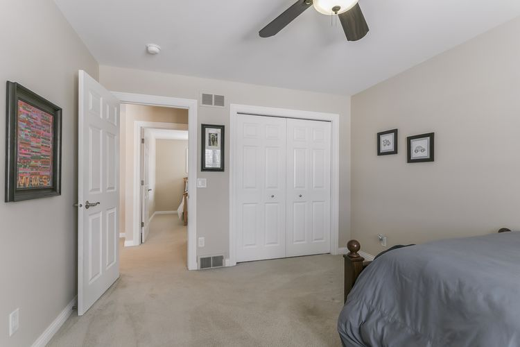 Bedroom Photo #55