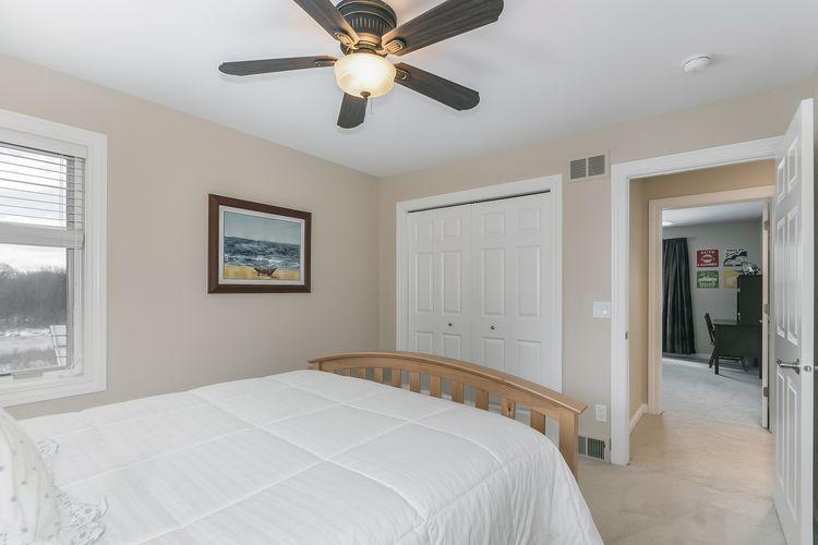Bedroom Photo #56