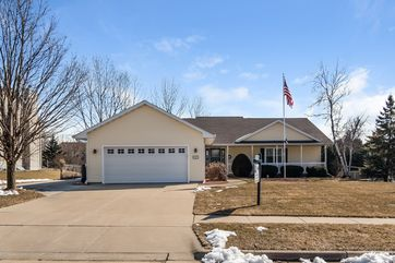 825 BERGEN CT Stoughton, WI 53589 - Image