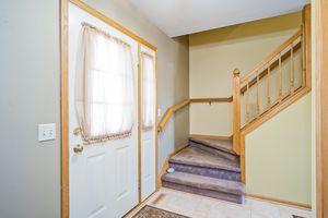 Foyer5709 BELLOWS CIR Photo 2