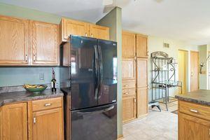Kitchen5709 BELLOWS CIR Photo 27