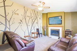 Family Room5709 BELLOWS CIR Photo 29