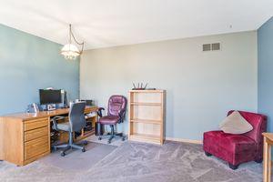 Living Room5709 BELLOWS CIR Photo 4