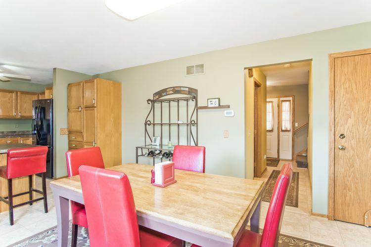 Dining Room Photo #5