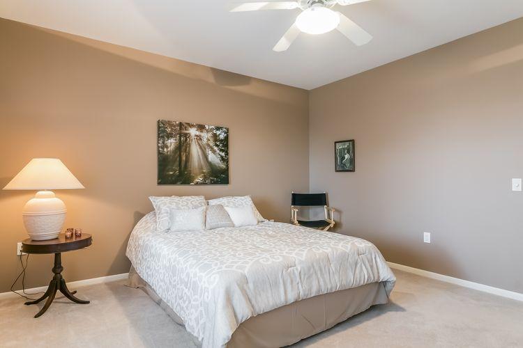 Bedroom Photo #46