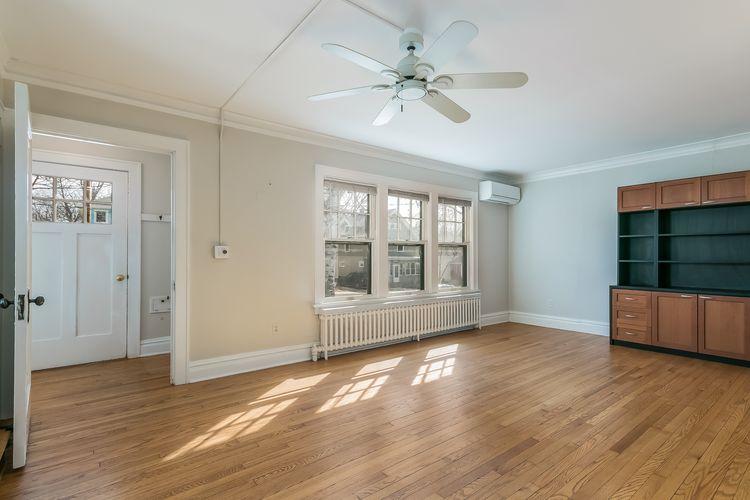 Living Room Photo #30