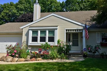 5034 Stonehaven Dr Madison, WI 53716 - Image
