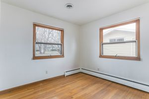 Bedroom1105 Glendale Ln Photo 15