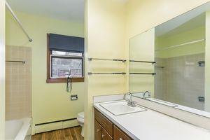 Bathroom1105 Glendale Ln Photo 19