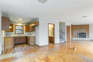 Living Room1105 Glendale Ln Photo 2