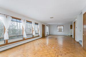 Living Room1105 Glendale Ln Photo 3
