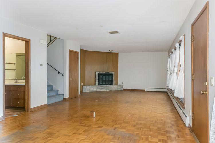 Living Room Photo #4