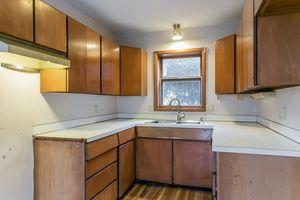 Kitchen1105 Glendale Ln Photo 7
