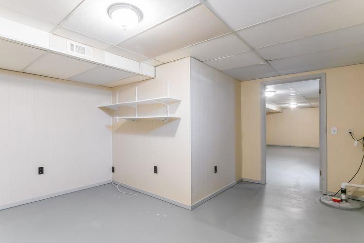 Garage Photo #22