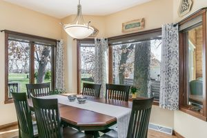Dining Room5927 HOLSCHER RD Photo 15