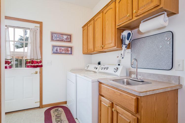 Main level half bath Photo #13