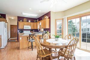 Wood laminate floors2339 McCoomsky Ln Photo 7