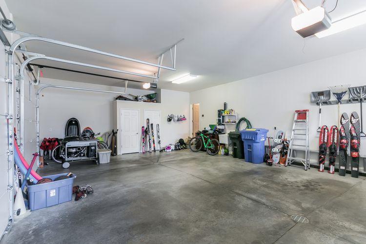 Garage Photo #76
