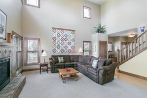 Living Room802 CALLISTO DR Photo 4