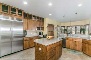 Kitchen802 CALLISTO DR Photo 6