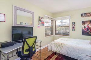 Bedroom Photo 15