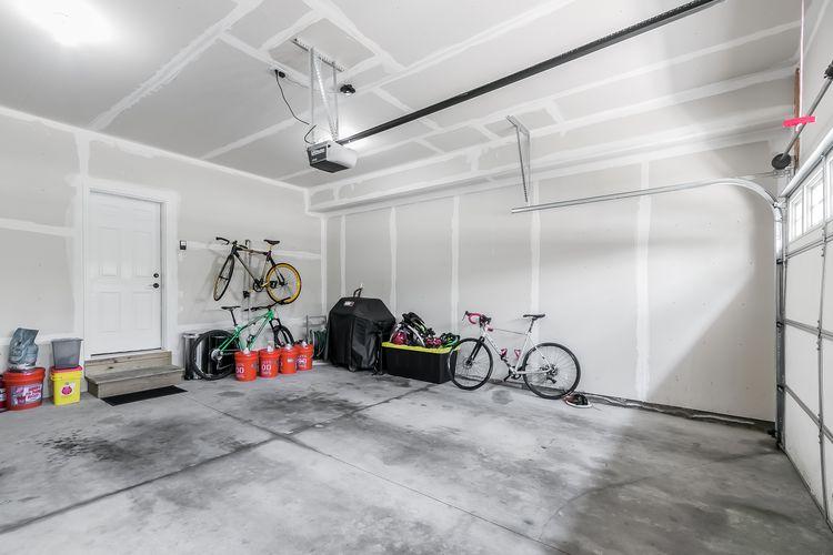Garage Photo #47