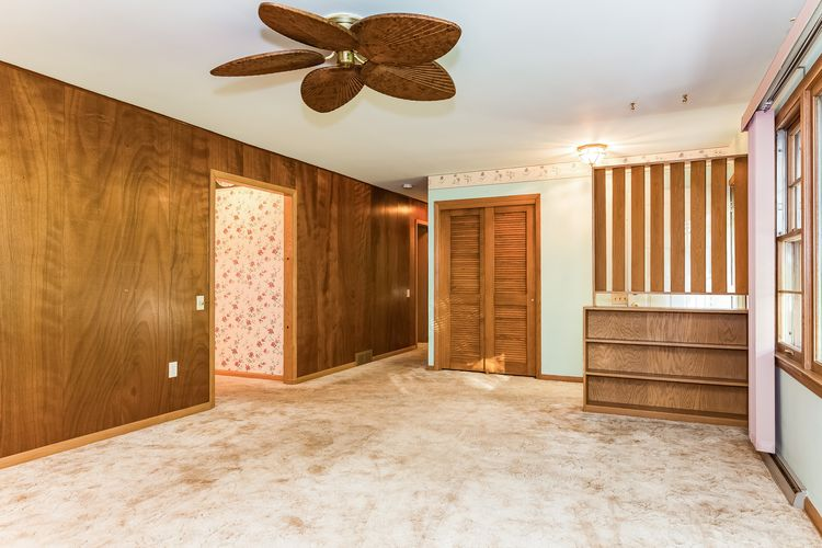 Largest Bedroom Photo #10