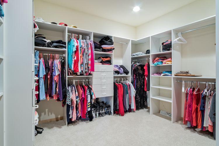Walk In Closet Photo #26